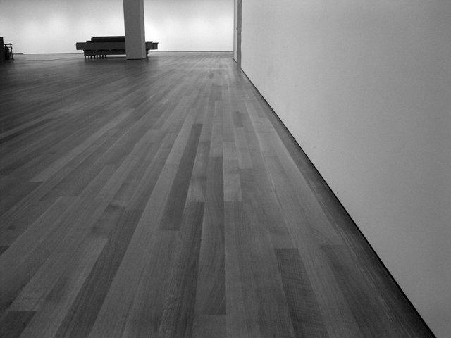 podlaha v prázdnej miestnosti.jpg